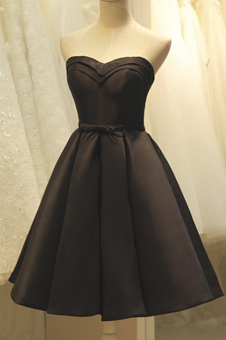 Black Sweetheart Short Ruffled Homecoming Dress Featuring Bow Accent Belt and Lace-Up Back, Formal Dress