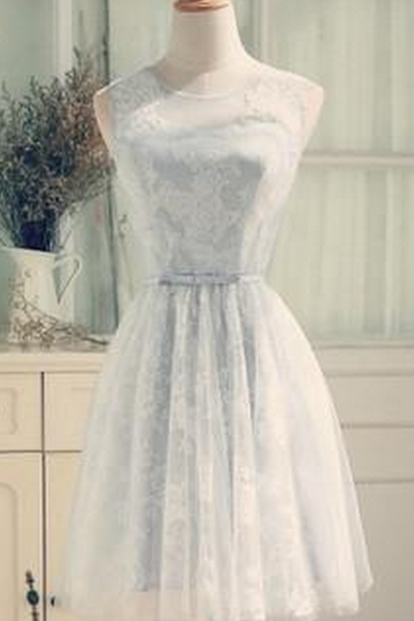 Elegant A-Line Scoop Sleeveless Open-Back Short Homecoming Dress With Lace