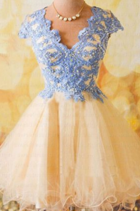 Homecoming Dress,Short Tulle Homecoming Dresses,Beaded Appliques Prom Dress,Prom Gown