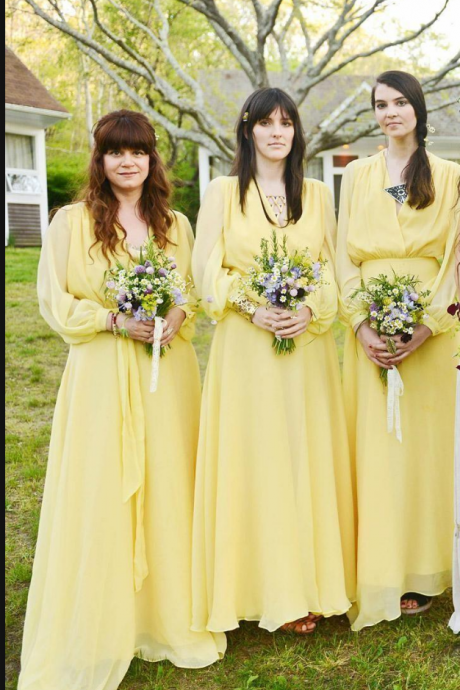 Cheap Daffodil V-Neck Long Bridesmaid Dresses Long Sleeve Vestidos Madrinha Pleats Beach Maid of the Honor Dress Custom Made