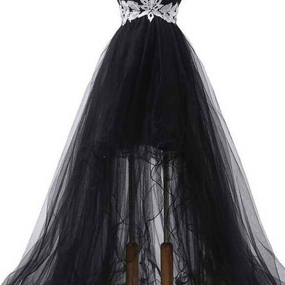 A-line Long Homecoming Dress,Sweetheart Homecoming Gowns,Sweep Train Black Organza Prom Dress, Evening Dress with Appliques