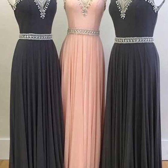 A chiffon long gown with a diamond ball gown, evening dress.