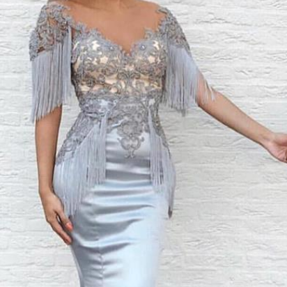 Newest Capped Sleeves Silver Prom Dresses Tassel Elastic Satin Lace Appliqued Sweep Train Beaded Formal Evening Party Gowns